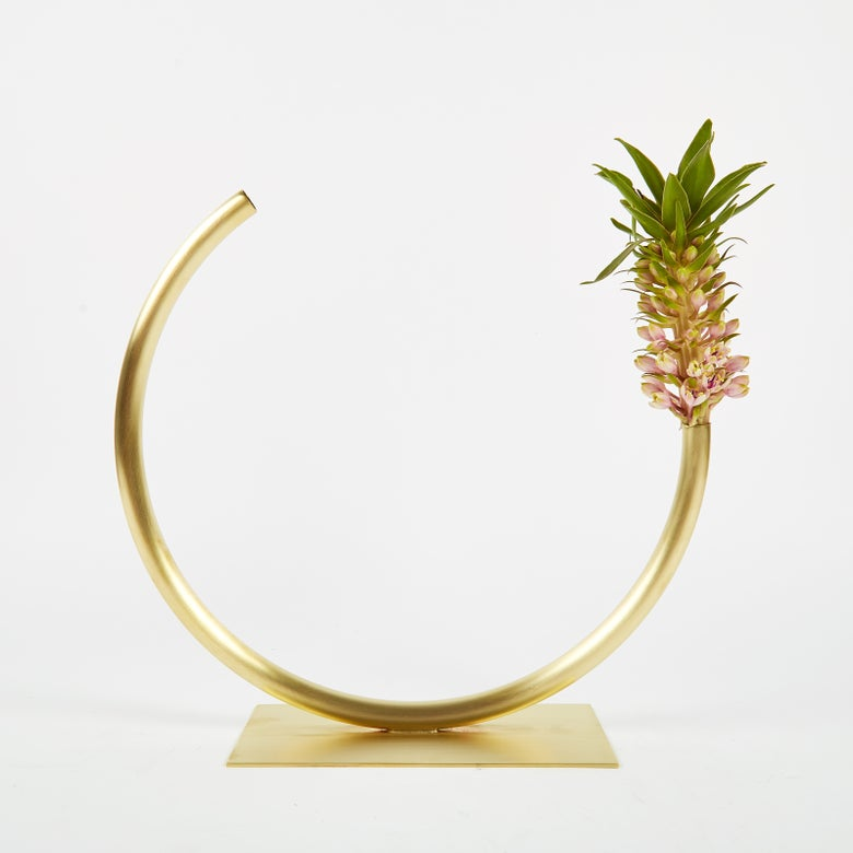 Image of Vase 503 - Edging Over Vase
