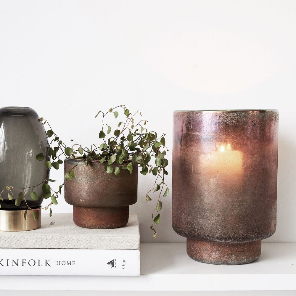Image of Burnished / metallic pot