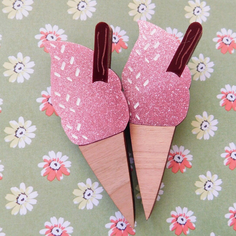 Image of Pink Sherbet Flake Icecream Brooch