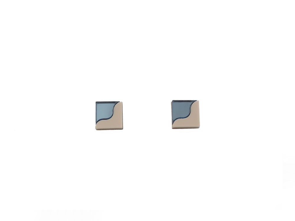 Image of TWO TONE EARRINGS - BLUE / SAND