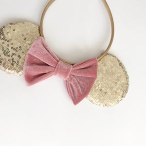 Image of Gold sequin mouse ears with dusty rose velvet bow