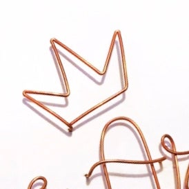 Image of Wire crown (to sit above a name)