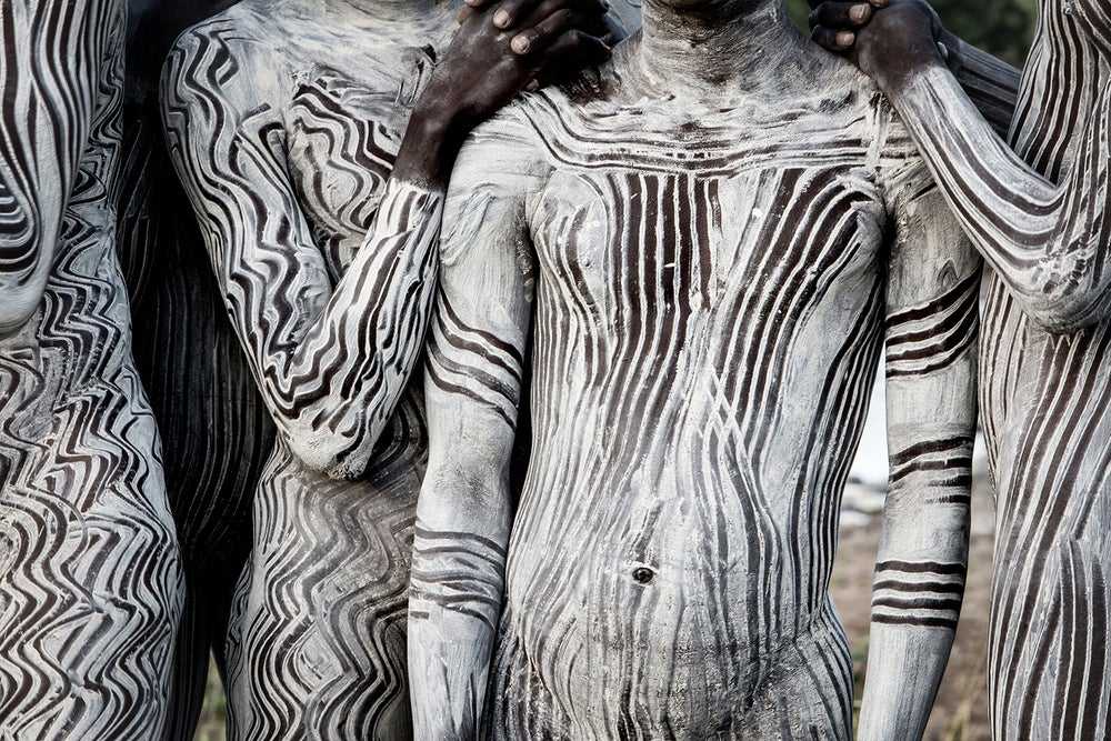 Image of PHOTOGRAPH - BODY ART - SURI BOYS WITH PAINTED BODY ART 2
