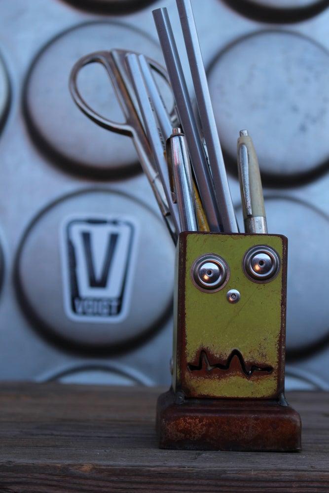 Image of Desk organizer/Small: Pencil Pusher Robot Joe