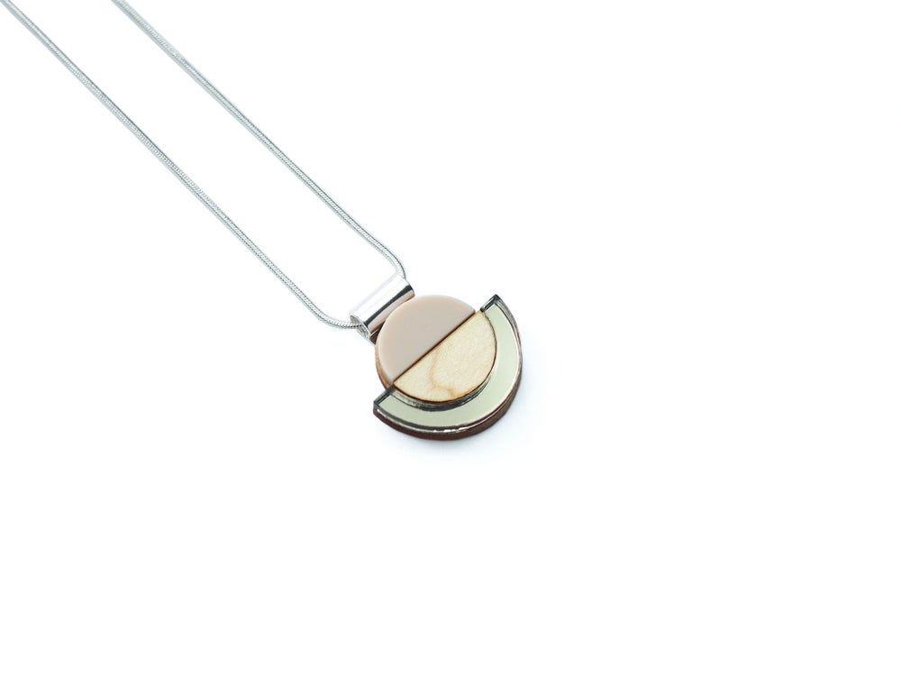 Image of DROP NECKLACE - SAND