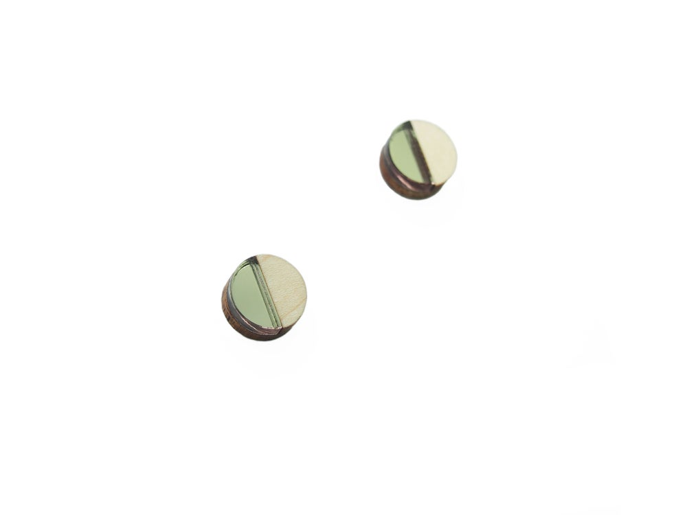 Image of CIRCLE STUD EARRINGS - bronze
