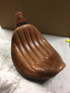 Image of Real Leather Linear Roll Top LowRider seat Triumph Speedmaster America