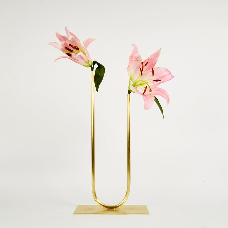Image of Vase 00238 - Uneven U Vase