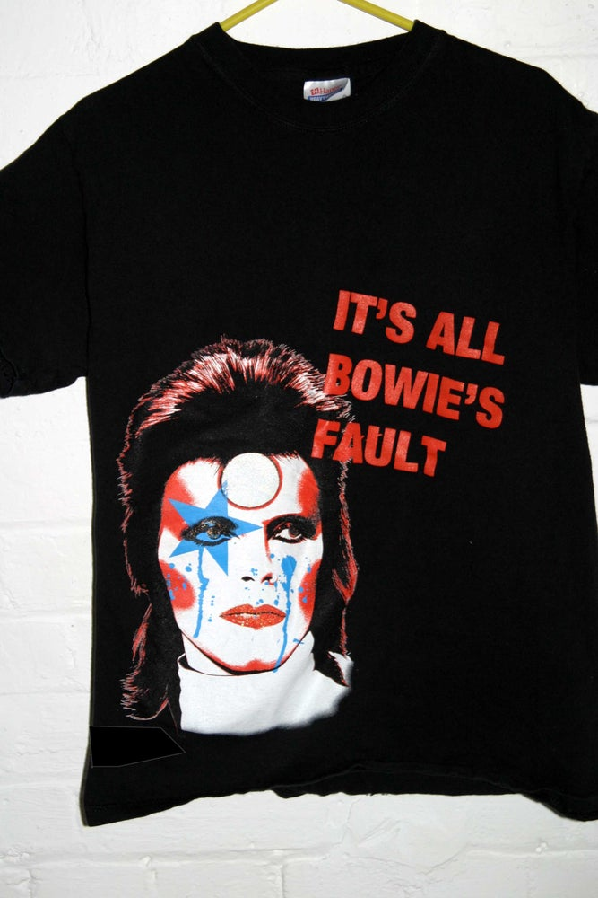 Image of ITS ALL BOWIES FAULT-