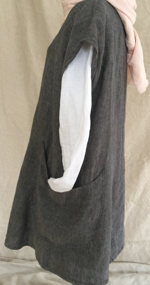 Image of linen capped sleeve tunic