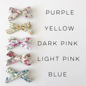 """Image of 3.5"""" Floral Bows"""