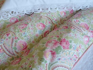"Image of Pretty double paisley eiderdown in Sarah Hardaker ""Apple"" fabric"