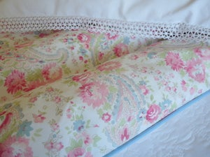 "Image of Stunning double paisley eiderdown in Sarah Hardaker ""Natural""fabric"