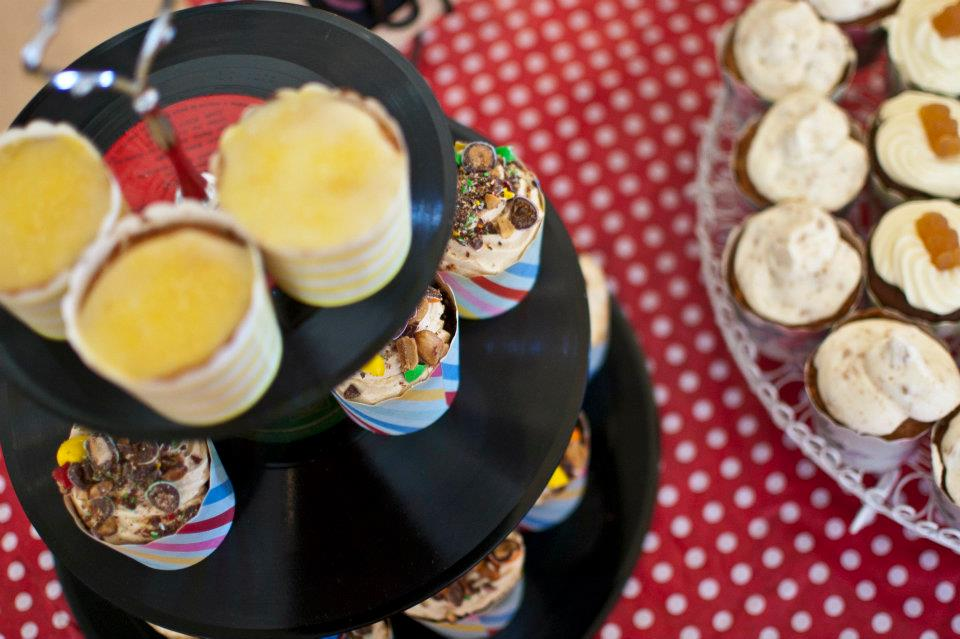 Image of 3-tier vinyl record cake plate