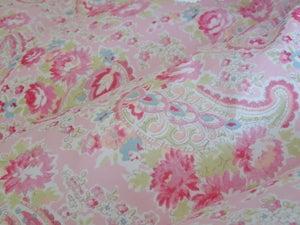 Image of Fabulous Double Eiderdown In Sarah Hardaker Pink Paisley