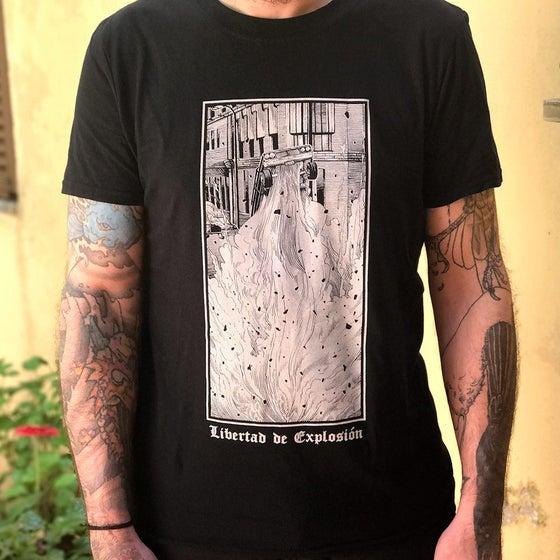 Image of 'LIBERTAD DE EXPLOSIÓN' T-Shirt