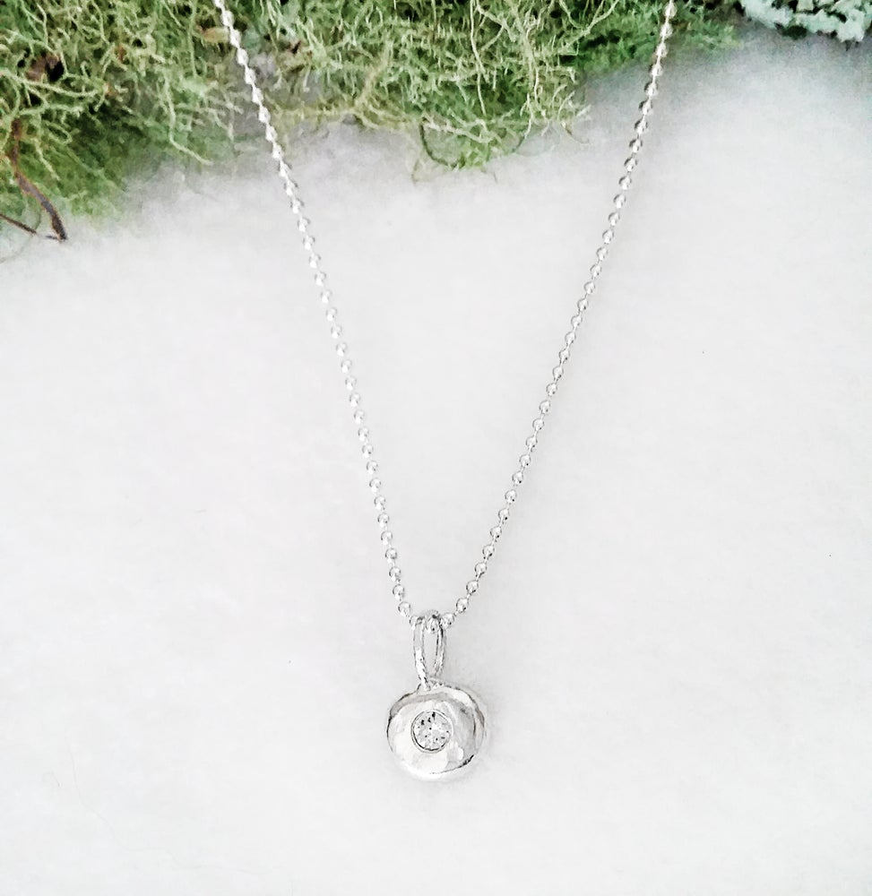 Image of Sterling Silver Pebble with Crystal Necklace - Chic Minimalist Style for Layering