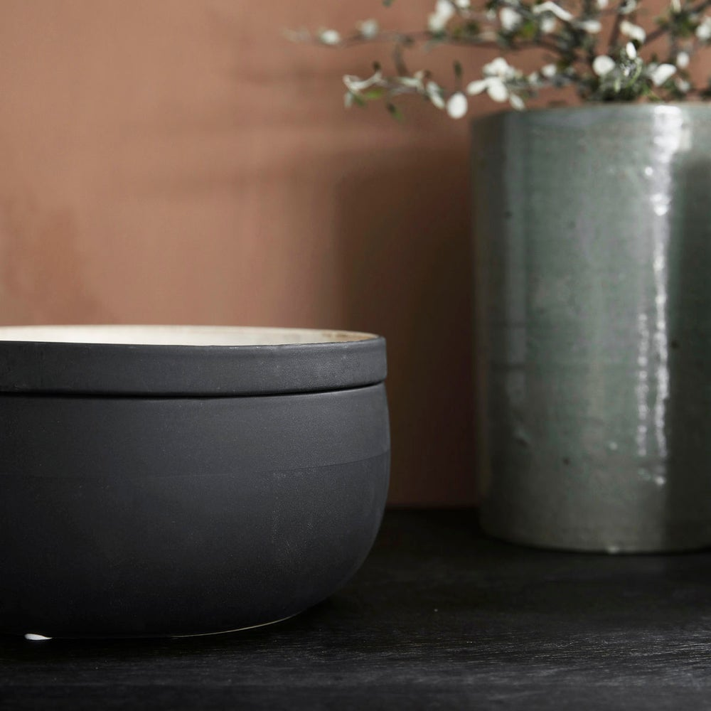 Image of Large Ivy storage pot with lid