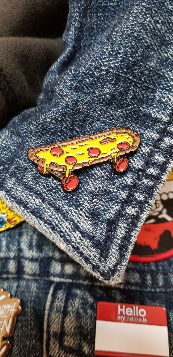 Image of SKATE OR PIE PIN