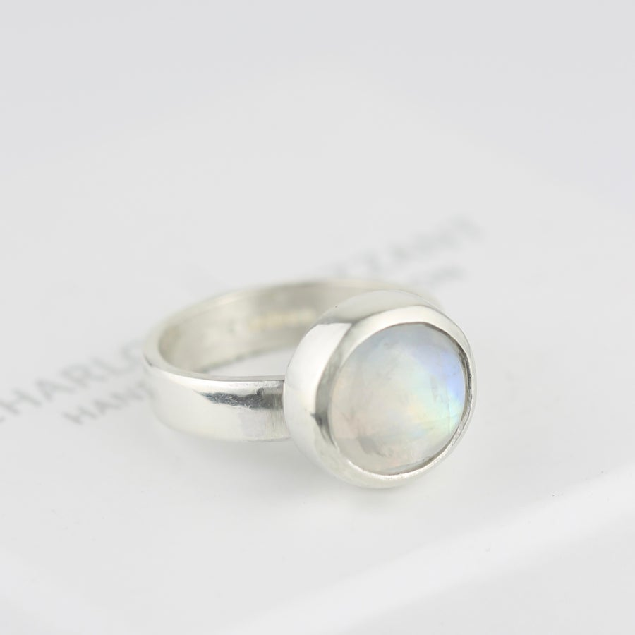Image of MOONSTONE RING IN SILVER