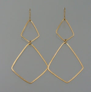 Image of TS402, Hammered Stretched diamond shaped hoops