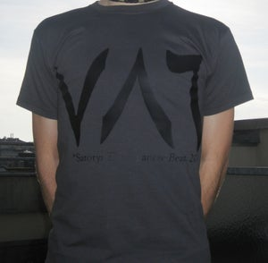 "Image of T-shirt grey, ""786"""