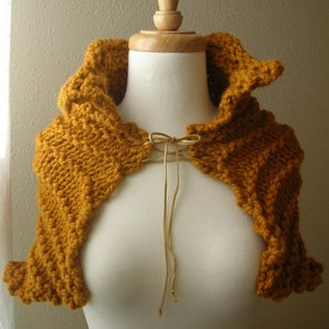 Image of Fairy Tale Capelet Knitting Pattern