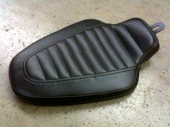 "Image of '82-'03 Sportster ""Solo"" Cobra King Seats"