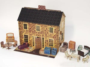 Image of Emily's Dollhouse with all accessories (1/2 scale)