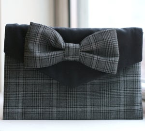 Image of Wolf's Tooth Tartan Bow Clutch