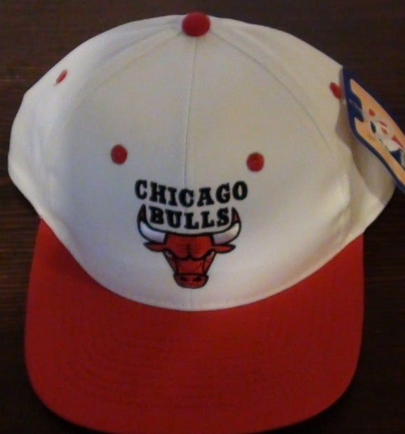 Image of White BULLS SNAP BACK