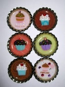 Image of Bottle cap magnet - cupcake