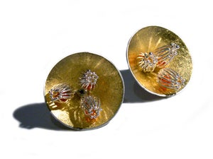 "Image of ""Golden Anemone"" Stud Earrings Large"