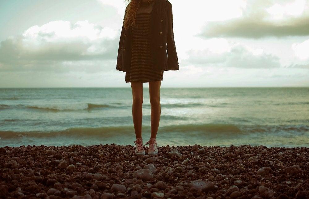 красивые девушки в платьях где невидно лица фото