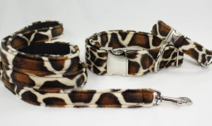 Image of Giraffe Dog Leash in the category  on Uncommon Paws.
