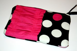 """Image of """"Holly"""" Zippy Pouch"""