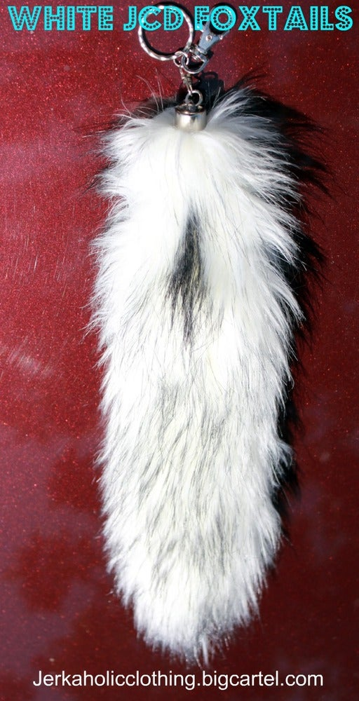 Image of WHITE SUPER CLEAN FOXTAIL WHAT ?