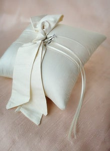 Image of Love Knot Ring Pillow