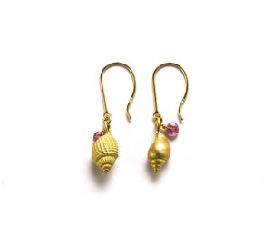 Image of Small Shell Earrings with Pink Sapphire in 18kyg