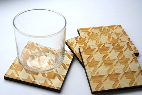 Image of classic textile coasters: houndstooth