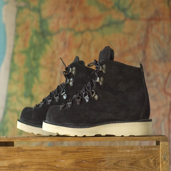 union exports danner jp mountain light ii black suede. Black Bedroom Furniture Sets. Home Design Ideas