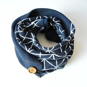 Image of Linen Button Scarf - White on Navy