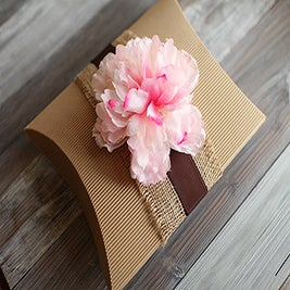 Image of Pillow gift box with flower ~ set of 3
