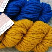 "Image of Alpaga & laine ""Beautiful"", blue mediterranean / happy mustard"