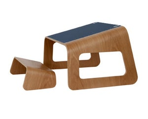Image of Knelt™ Oak with unique Navy-blue pad and clips.