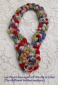 Image of Les Fleurs Sauvages ont Tricoté le Collier  (The wildflower knitted necklace)
