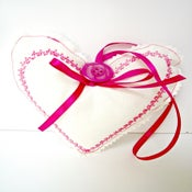 Image of Pretty Heart ~ Medium