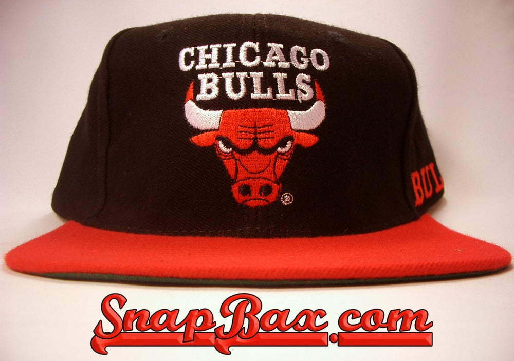 Image of VINTAGE CHICAGO BULLS AJD WOOL BLEND DEADSTOCK SNAPBACK