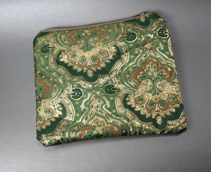 Image of Vintage Printed Zippered Clutch