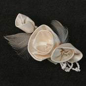 Image of R19   White Roses